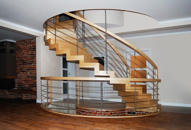 Nowoczesne schody drewniane na wymiar. Co wybrać? Gdzie je zamówić?